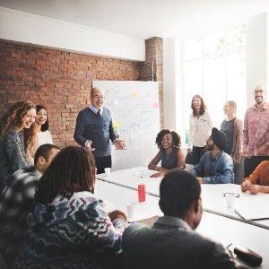 אמן חושים וטלפתיה אסף סלומון איך אמן על חושי יכול להציל את ישיבת הצוות שלכם